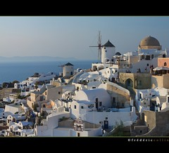 Sunset in Oia on Santorin island, Greece (lathuy) Tags: blue sunset sea mer white windmill island greek islands ile santorini greece santorin blanc grce cyclades coucherdesoleil moulinvent bleur 100commentgroup doublyniceshot doubleniceshot mygearandme mygearandmepremium mygearandmebronze mygearandmesilver mygearandmegold mygearandmeplatinum mygearandmediamond