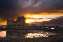 Eilean Donan sunset (Coco Carrigan) Tags: sunset castle digital canon landscape scotland highlands manual 1855 eilean donan dri blending 400d