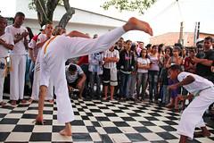 Capoeira Beija-Flor at Jardim ABC (tio Denis) Tags: brazil community capoeira sopaulo abc capoeirabeijaflor carf diadema beijaflor comunidade kolibri ax jardimabc