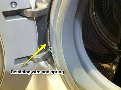 retaining_wire_spring