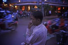 oblivious (Brett Elmer) Tags: street urban night asia cambodia voigtlander 28mm epson siemreap rd1s