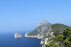 Majorca (DudeWithACamera_) Tags: ocean blue sea sky mountains majorca