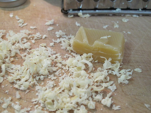 beeswax for lip balm