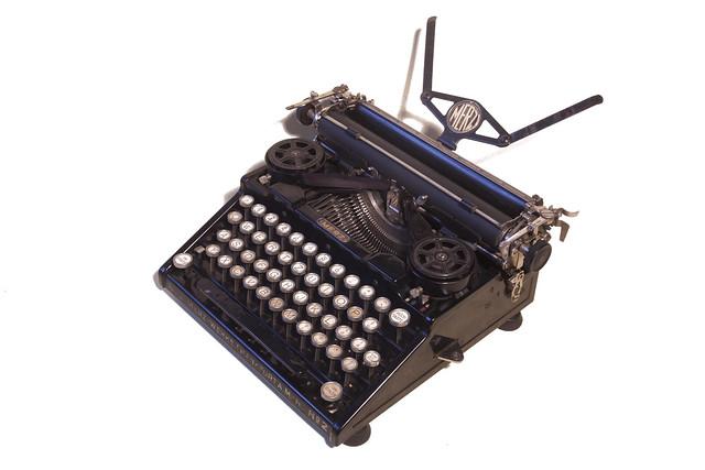 Merz Kleinschreibmaschine Mod. 2