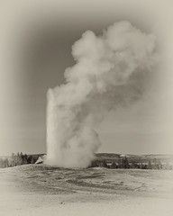 Old Faithful Geyser (bhophotos) Tags: trip travel vacation usa nature landscape geotagged pentax oldfaithful steam yellowstonenationalpark yellowstone wyoming geyser thermal ynp k110d bruceoakley