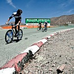 van Summeren Killing on the Sh*tbike<br>Image © Anthony Smith/Bike Magazine