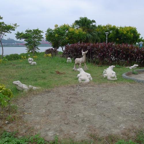 八里河濱公園