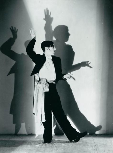 Frederick Ashton as A Dago in Facade © Gordon Anthony/ROH 1953