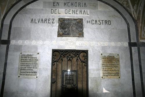 Lugar dedicado a Álvarez de Castro