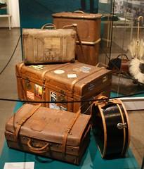 Koffer (lars.simon77) Tags: rostock mv koffer mecklenburgvorpommern hro meckpomm hansestadtrostock kulturhistorischesmuseumrostock bahnkoffer coupekoffer