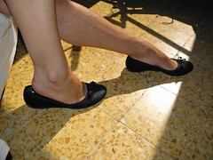 New model Sonia, black flats preview. (Balletflat's lover) Tags: ballet black sexy feet foot shoes bare flats heels heel piede piedi nudi ballerine shoeplay heelpop heelpopping