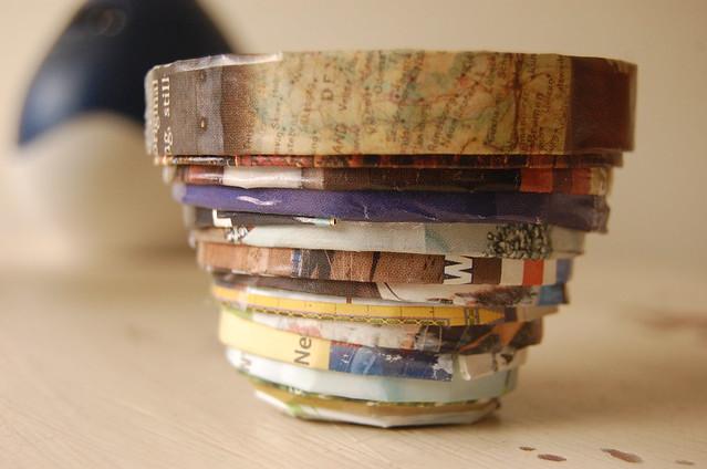 Magazine paper bowl