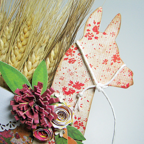 10-11 theme Harvest Llama det 1