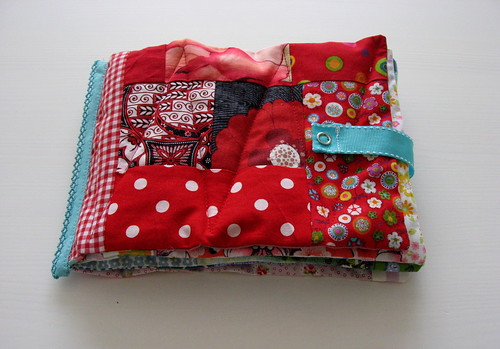 Allison gryski tutorial how to sew a scrap fabric baby book