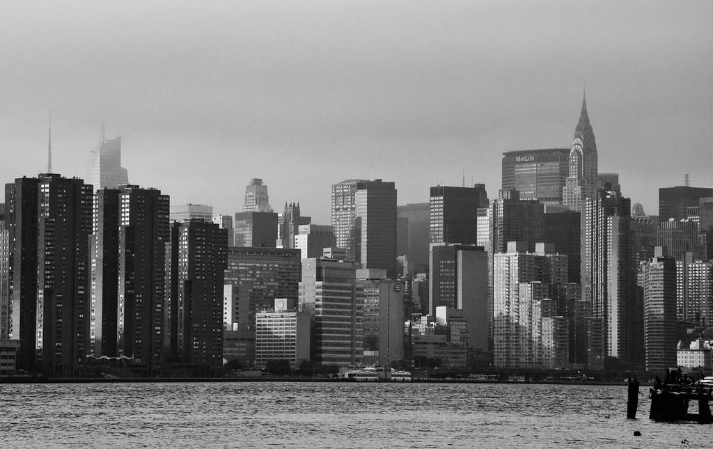 NY Chrisler skyline BW