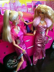 Confidence Between Friends (Jacob_Webb) Tags: house girly sassy ken barbie cutie artsy glam barbeque fashionista 2009 1962 gla 2010 barbiehouse barbiecar 2011 barbiedolls dollsbarbie barbieshoes barbiejeans barbiepets articulateddolls barbieheads barbietownhouse barbievespa dressbarbie barbiefashionista barbiebasics barbiecutie barbiesassy barbietwilight barbieglamvacationhouse barbie2011 barbieglampool barbiefashionista2011 barbiecaliforniandreamhouse 2011barbie 2011fashionista barbiewigwardrobe myfavoritebarbie1964swirlponytail barbiemalibudreamhouse barbiebasics2012 barbiefashionistaultimatelimo barbiefashionistajeep barbiebeachcruiser barbierichwelltradeshow barbieinthespotlight barbiebasicsblack barbie3storytownhouse
