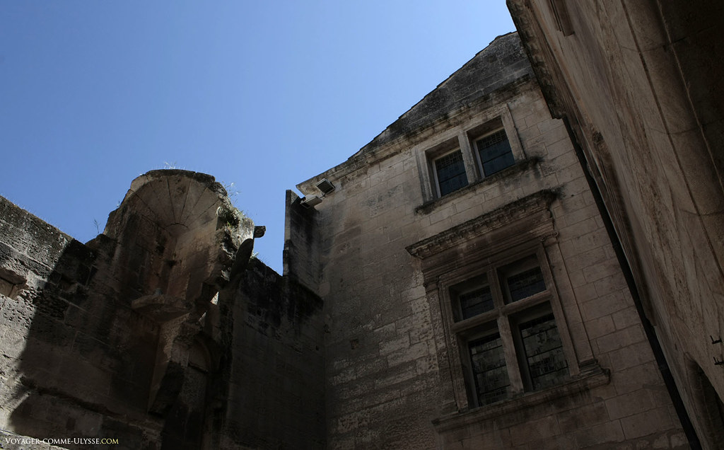 Malgré certains murs tombés en ruines, certaines demeures restent de bien belles habitations
