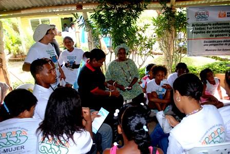 Nereyda Rodriguez en la foto ultima en vida,. Campamento De Cemujer y Federacion de Mujeres de Guerra