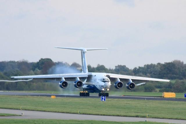 IL-76TD-90 der Silk Way