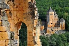 Le Château de Laussel vu du Château de Commarque - Dordogne (Philippe_28) Tags: france castle dordogne 24 périgord château burg commarque