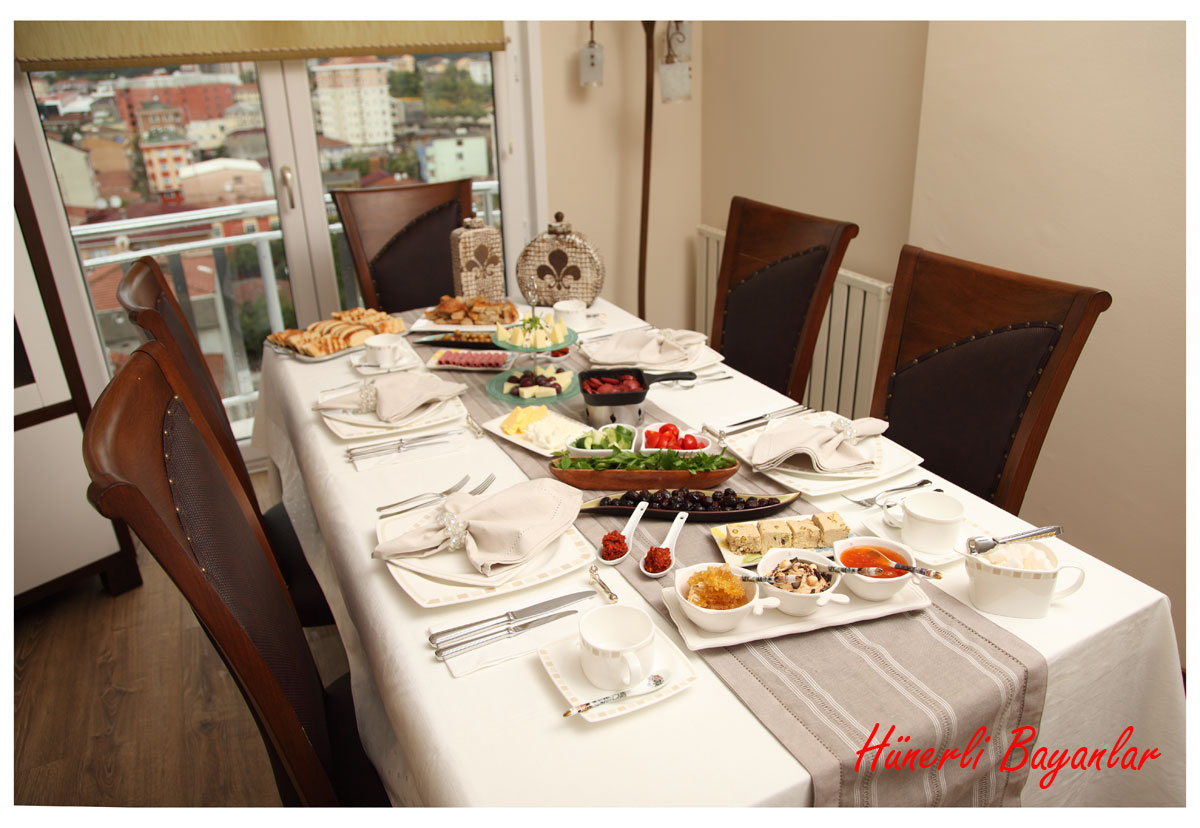 Ülkü ve Aytaç ile Kahvaltı Keyfi-1