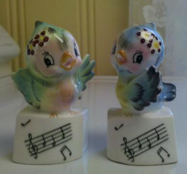 PY/Lefton Bluebird Salt and Pepper Shakers