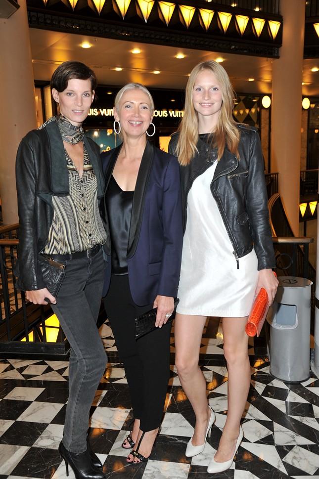 1a - Vogue_FNO_2011_Iris Strubegger,Christiane Arp,Katrin Thormann_073