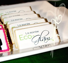 Eco-Glam 2010_Table gourmande / Sweet table (Elcorso / Tables gourmande) Tags: rose vert biscuits bodysuit pied bas bébé soulier sugart hochet elcorso sweettable femmeenceinte talonhaut ecoglam tablegourmande