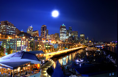 [Free Image] Architecture / Building, City / Town / Village, Night View, Moon, Marina, United States of America, 201109151900