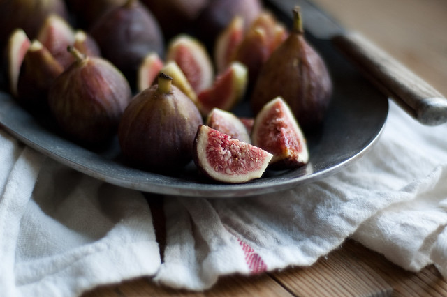 6145936531 92eab7954f z Easy Fig Tarts & News!