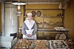 la panadera de Skansen (kinojam) Tags: canon kino baker sweden stockholm bakery skansen hdr estocolmo suecia panaderia panadera canon60d flickrchallengewinner fzfave mygearandme kinojam retofez110920