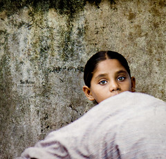 Speechless *|* (SidhArcheR) Tags: travel india streetart art girl beauty canon eyes artist artistic startled fineart streetphotography lips greeneyes talent surprise stare deviant powerful speechless astounding streetphotographer incredibleindia facesofindia peopleofindia beautifulindia peoplephotographer indiantalent stunningphotogpin travelphotographerfromindia peoplephotographerfromindia