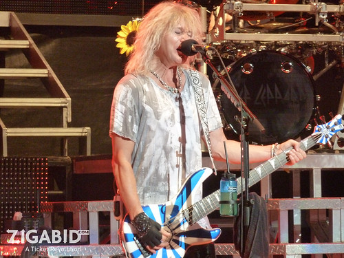 Def Leppard performs at Verizon Wireless Amphitheatre 9.10.2011