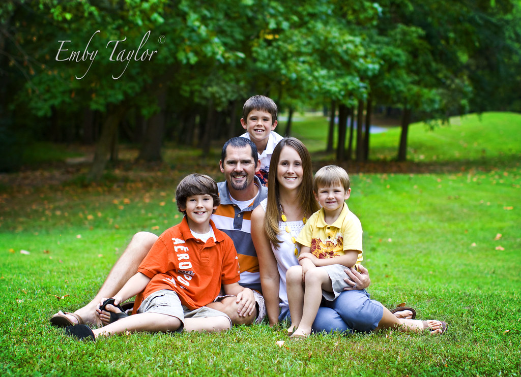 Beautiful Family G 21 Best family Photographer Salisbury Huntersville Mooresville Lake Norman family photographer