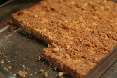 Healthy Kid Snacks: Homemade Granola Bars