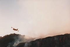 Etna eruzione 2001 - Canadair interviene sul fronte lavico a circa 4,5 km da Nicolosi (Vulcanian) Tags: volcano lava nikon crater sicily etna eruption sicilia magma vulcano cratere lavaflow eruzione colatalavica