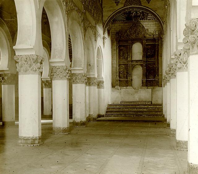Sinagoga de Santa María la Blanca en 1913. Fotografía de Luis Calandre Ibáñez