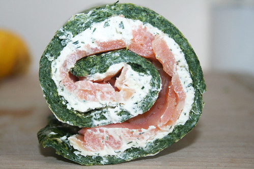 25 - Spinat-Lachs-Rolle / Spinach salmon role - CloseUp