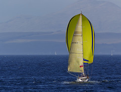 Yacht in the Clyde Off Rothesay (dun_deagh) Tags: clyde sailing yacht bute rothesay yellowandblue isleofbute