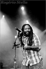 Ky-Mani Marley - Sons Of Legends (Rogerio Stella) Tags: world show stella bw white black festival branco brasil portraits joseph banda photography concert nikon photographer tour song retrato no live stage hill gig performance band roots culture bob evolution preto peter bands rogerio portraiture revolution idol instrument fotografia mundial reggae documentation marley venue instruments primeira msica premier filhos gong tosh vez vivo sons tuff palco fotojornalismo dolo lanamento apresentao 2011 estria kymani blackwhitephotos documentao documentarist |legends