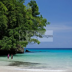 Frenchman's Cove (DolliaSH) Tags: trip travel sea vacation white holiday seascape color tourism beach strand canon photography hotel photo sand niceshot foto tour place photos playa visit location tourist resort kingston journey jamaica tropical destination caribbean traveling visiting plage spiaggia touring negril montegobay ranta ochorios 1755 50d runawaybay frenchmanscove granbahiaprincipe canonefs1755mmf28isusm canoneos50d bwpolarizerfilter dollia 100commentgroup sheombar plyazh dolliash mygearandme ringexcellence musictomyeyeslevel1