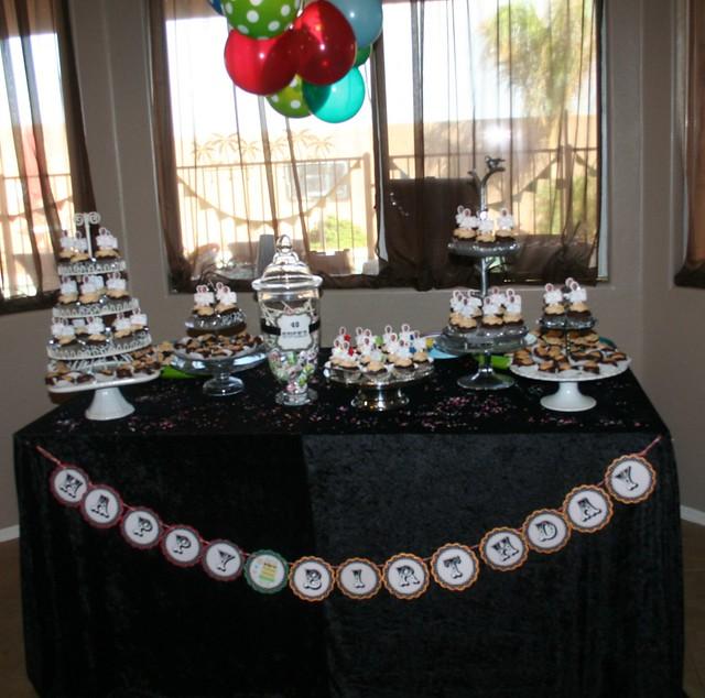 Cupcake table.