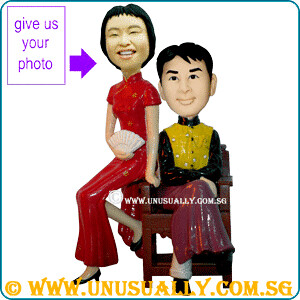 Custom Sweet Lovely Shanghai Noon Couple Figurines