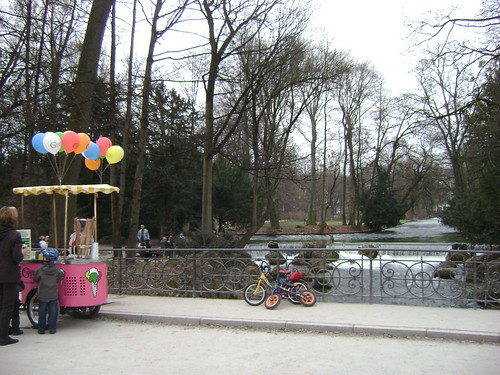 Globos/Balloons, Englischer Garten, München, Germany - www.meEncantaViajar.com by javierdoren
