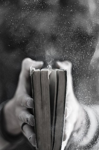 art_black_and_white_book_dust_hand_macro-053ce024fc1840460ff4ff9179c37774_h_large