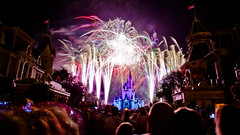 A Community Of Dreamers [EXPLORED] (SpencerLynnProductions) Tags: longexposure audience fireworks crowd finale mainstreetusa cinderellacastle