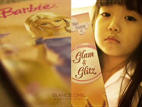09.20.11 Glam & Glitz Reader by lancelonie, on Facebook