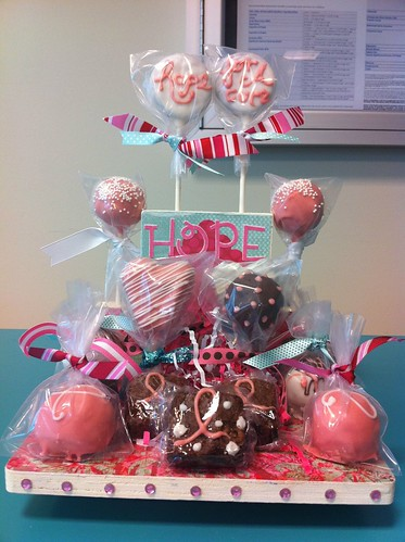 Breast Cancer Awareness Cake Pops 1