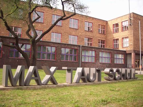 0963 Die Max Taut Schule