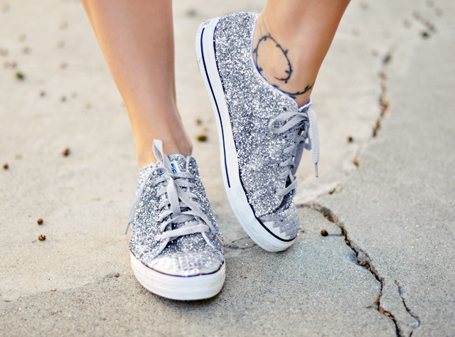 Glitter Sneaker DIY with   studded toe -    glitter silver converse